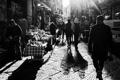 Al mercato (luigi ricchezza) Tags: contrasto mercato napoli ombre pignasecca street