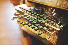 Keyboard (Eric Flexyourhead) Tags: vancouver canada britishcolumbia bc chinatown penderstreet eastpender spacelab shop store antique old vintage retro typewriter keyboard keys shallowdepthoffield bokeh sonyalphaa7 zeisssonnartfe35mmf28za zeiss 35mmf28