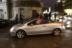 BO0O3867 (pataparat) Tags: люди people street canon1dx 24105l moscow moscú moskau μόσχα car vehicle auto illumination iluminación éclairage iluminação belichting beleuchtung belysning φωτεινότητα illuminazione iluminacja valaistus арт art santaclaus