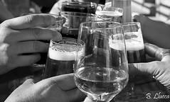 Cheers (B. Llueca) Tags: salud copas vino cerveza cheers brindar brindis celebrar bebidas