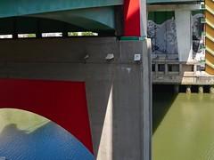 Under the bridge (GiulioBig) Tags: acqua fiume architettura bilbo euskadi spain