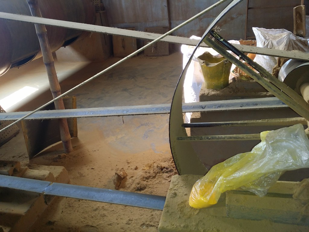 Lead chromate in a bag in the processing mill