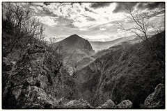 Neretva Canyon II (Chorizo from Berlin) Tags: 2018 herzegovina canyon hiking sepia herbstspaziergang fall monochrome clouds kašići konjic bosniaihercegovina ba bih bosnia