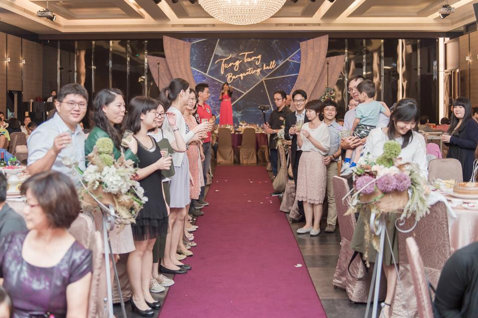 台南東東宴會式場 婚宴 走在幸福的紅毯上 R & B 128
