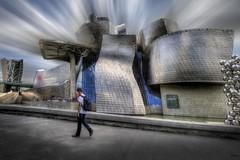...El arquitecto del futuro se basará en la imitación de la naturaleza, porque es la forma más racional, duradera y económica de todos los métodos... Antoni Gaudí... (franma65) Tags: bilbao guggenheim museo arquitectura