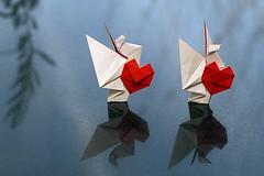 Dove of Friendship (Norio Torimoto) (De Rode Olifant) Tags: origami 3d paper paperart noritorimoto yukikoduke marjansmeijsters origamiheart doveoffriendship dovewithheart papiroflexia