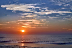 Bleu, Blanc, Rouge (Ciceruacchio) Tags: sunset tramonto coucherdesoleil fire feu flamme fuoco sea mer mare ocean oceano acqua atlanticcoast costaatlantica côteatlantique medoc france francia frankreich nikond750