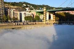 Niebla soleada (Bilbao, País Vasco, España, 27-9-2018) (Juanje Orío) Tags: 2018 bilbao vizcaya provinciadevizcaya paísvasco euskadi españa europa espagne espanha espanya spain europe europeanunion unióneuropea puente bridge niebla