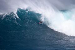 AlbeeLayerbarrel3JawsChallenge1Lynton (Aaron Lynton) Tags: jaws peahi xxl wsl bigwave bigwaves bigwavesurfing surf surfing maui hawaii canon lyntonproductions lynton kailenny albeelayer shanedorian trevorcarlson trevorsvencarlson tylerlarronde challenge jawschallenge peahichallenge ocean