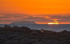 PORTIÑO SUNSET (Emilio Rodríguez Álvarez) Tags: sol sun sunset coruña portiño galicia spain puesta mar sea pajaros naranja orange canon 6d lucroit