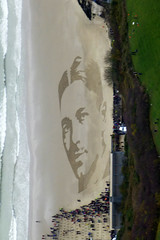 Remembrance on Folkestone Beach. (piktaker) Tags: kent sunnybay dannyboyle ww1 19182018 111111 ltwilfrededwardsalterowenmc soldier folkestonebeach remembrance armistice poet ltwilfredowenmc 19141918 100years centenary