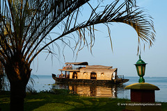 Kerala - India (My Planet Experience) Tags: houseboat house boat kerala backwaters bayou waterway palmtree malabar arabian sea coast people water day color outdoors alappuzha alleppey india inde भारत ind wwwmyplanetexperiencecom myplanetexperience