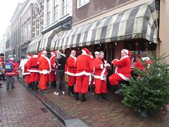 Effe indrinken (Dimormar!) Tags: kerstmannen drinken gezelligheid christmas kersttijd terras