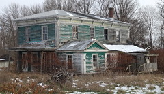 Abandoned House (vischerferry) Tags: newyorkstate house deterioration sonyrx100 ruraldeterioration abandonedhouse