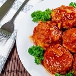 Meatballs in spicy tomato sauce thumbnail