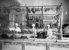 2550 -3841 . N28841 (www.ilkkajukarainen.fi) Tags: helsinki makkara sausage factory shop 1927 suomi finland finlande europa scandinavia travel travelling visit happy life blackandwhite mustavalkoinen monochrome carlknief