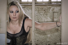 Sabrina. (Fallowsite) Tags: blonde modèle femme woman jeune fille urbex jolie sexy friche ancienne usine pose shooting btt nikond610 sb700 sabrina