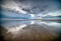 Nachmittags am Strand bei Wenningsted (andreas.zachmann) Tags: deu abendstimmung sand meer küste wasser spiegelung himmel wolken strand wenningstedt schleswigholstein deutschland