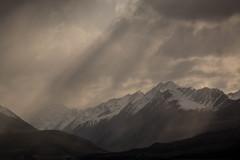 Aoraki Range (José Rambaud) Tags: aoraki aorakinationalpark mountaoraki aorakirange cordillera range newzealand nuevazelanda nubes clouds nieve snow snowcapped montañas montaña montagnes montagna mountains