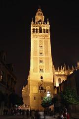 La Giralda (Brian Aslak) Tags: sevilla seville andalucía andalusia españa spain europe night öö noche giralda belltower belfort campanile cathedral