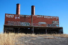 Echo Lake Incinerator 1.27.19.1 (jrbeckwith) Tags: echolakeincinerator 2019 photo picture jr beckwith jbeckr fortworth texas tx echo lake incinerator endangered danger old history historic abandoned left decay drug drugdealer graffiti girls shoot ruins