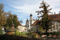 Burghausen: Kloster Raitenhaslach (Helgoland01) Tags: burghausen bayern deutschland germany oberbayern kirche church raitenhaslach kloster zisterzienser biergarten