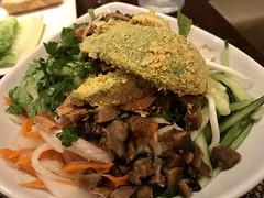 Bun 33 (TomChatt) Tags: food parttimevegetarian asianfood