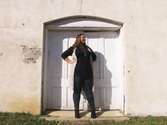 IMG_5635 (lesheaphotography) Tags: brick wall girl senior seniors 2019 2019grads grad graduation 2019seniors scottcentral mississippi pelahatchie black white autumn fall photoshoot vintage rustic window door