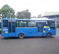 Samco City I51 CNG on bus line number 45 connects District 8 bus terminal and Eastern bus terminal via Bến Thành market  Vehicle license plate: 51B - 253.75 (phanphuongphi) Tags: buytsaigon bus45 samco samcobus isuzubus isuzu cngbus ngvbus benxequan8 caunhithienduong cauchava buudienquan5 rapdaiquang benhvienchoray truongphothongnangkhieu choandong daihocsaigon daihocsuphamtphcm raptranhungdao chobenthanh benthanhmarket congtruongmelinh benhviennhidong2 htv daitruyenhinhthanhphohochiminh caudienbienphu ngatuhangxanh benxemiendong