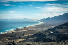 A taste of paradise ... (Thierry GASSELIN) Tags: plage beach montagne mountain sea mer vague wave sable sand landscape paysage d7100