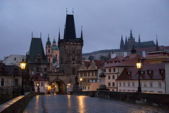 Rainy Morning on Charles Bridge (romanboed) Tags: leica m 240 summilux 50 czech europe cesko czechia prague praha prag praag praga city fall autumn travel tourism 布拉格 прага プラハ براغ 프라하 karluv most charles bridge