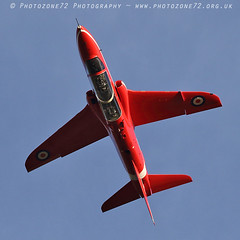 8558 R6 Inverted (photozone72) Tags: raf rafat redarrows reds redwhiteblue aviation aircraft jets hawk scampton lincolnshire canon canon7dmk2 canon100400f4556lii 7dmk2