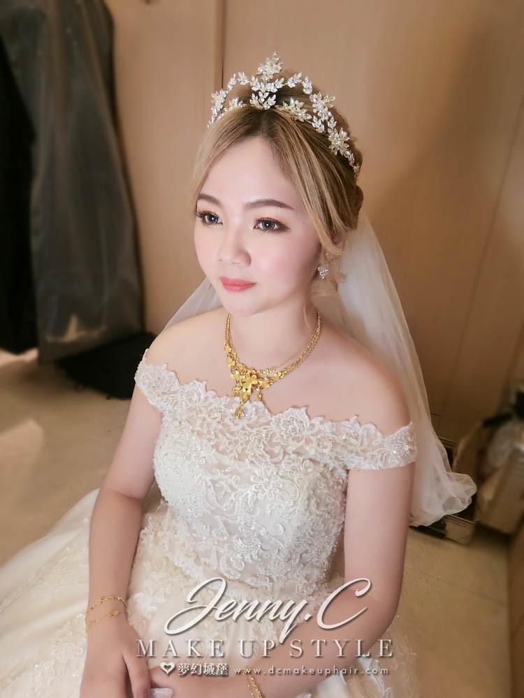 【新秘蓁妮】bride卉芸 結婚造型 /梧棲海港城
