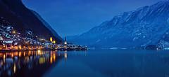 Hallstatt (FH | Photography) Tags: hallstatt oberösterreich österreich at a hallstattersee tal dorf unesco see abends blauestunde alpen berge europa sehenswürdigkeit spiegelung landschaft winter weltkulturerbe kirche gebäude tourismus salzkammergut dachstein