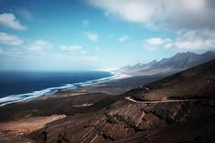 (Bazzerio) Tags: travel adventure grainy fujifilm film 35mm explore road roadtrip sea sand beach coast intothewild vista x100f bazzerio cofete fuerteventura