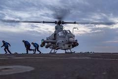 180421-N-VR594-0213 (Jay.veeder) Tags: navy marine ah1z cobra dlq chocksandchains pacificocean