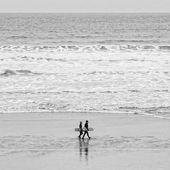 Old School (Bruus UK) Tags: bellyboards surfing surf bodyboards boogieboards polzeath cornwall cornishbeach beachlife beachcouple beachvintage atlantic coast sand bw blackwhite 11 square livingcornwall wetsuits outdoorliving outdoorphotography outdoors seascape