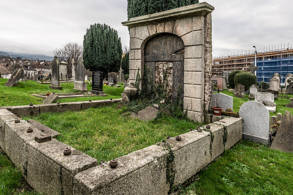 SAINT NAHI'S CHURCH [A VERY OLD CHURCH AND GRAVEYARD NEAR THE TRAM STOP IN DUNDRUM]-147354