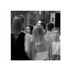 Un sourire de Joconde (spotfer) Tags: mans lemans sarthe paysdelaloire france ville gens city nude people photography streetart streetphotography street urbanphotography urban portrait nature landscape girls square docu société society civilisation civilization xperia sony eos canon nbphotographie nbphoto nb netb noiretblanc bnw blackandwhite bw fujifilm fujix x fuji paysage voyage explore travel photographie photograph photo artphotography artphoto artistic art portfolio monochrome monocrome mono frame potfersebastien