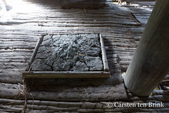 Yaptambor long-house fireplace (10b travelling / Carsten ten Brink) Tags: carstentenbrink 2018 arafura arafurasea asia asiapacific asian asie asien asmat asmatregency azmat iptcbasic indonesia indonesian indonesien irianjaya pacific pacificocean papoea papouasie papua papuaprovince papuan southpapua westpapua yaptambor cmtb ethnicgroup fireplace headhunting jeuw kampung longhouse mangroveswamp menshouse rainforest swamp tenbrink tidalswamp village woodcarvers woodcarving