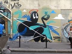Street art in Paris 20th by Hobz (Sokleine) Tags: streetart street wall mur mural graffiti grafitti artderue arturbain urbanart paris 75020 france hobz lucky luckyhobz 17