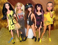 💎👭Meninas no brilho💖💎 (FranBoy Monteiro) Tags: doll dolls toy toys boneco bonecos boneca bonecas cute pretty beauty love amor fashion fashionista fashionistas moda outfit clothes look model models gay gayguy guy boy fun diversão cool handsome awesome barbie ken livdoll liv princessdoll princess yellow amarelo dourado golden
