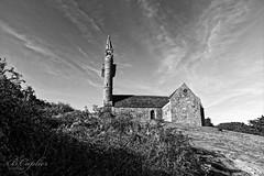 ND de Callot (QUILLIDIEC) Tags: noiretblanc blackwhite ile callot carantec pennarbed finistere bretagne breizh brittany church église
