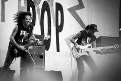 Los Lobotomys (Arnold van Wijk) Tags: loslobotomys parkpop 1994 thehague denhaag zuiderpark nederland netherlands ilfordhp5plus400 music muziek concert live rock pop stevelukather davidgarfield simonphillips johnpêna allimages©19942018arnoldvanwijk