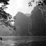 Ninh Binh - Impressive rocks in Dry Halong Bay thumbnail