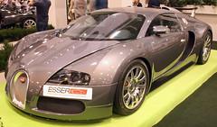 Veyron (Schwanzus_Longus) Tags: essen motorshow german germany car vehicle modern coupe coupé supercar hypercar bugatti veyron