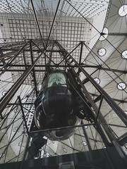 Monter la grande arche 3 (ex apparatus) Tags: arc arche architecture paris ladefense escalator