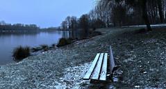 Snow Covered Break (LonánWL) Tags: bench outdoor park parc landscape lake pond snow snowcovrered snowy banc paysage exterieur neige neigeux enneigée