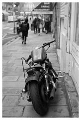 V3 bokeh (madras91) Tags: nb noiretblanc blackandwhite bw monochrome summicron35mmf2v3 35mm summicron leica leicam mtyp240 m240 moto byke