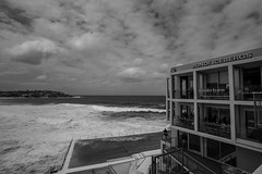 DSC00487 (Damir Govorcin Photography) Tags: bondiicebergs bondibeachsydneyblackwhite monochrome sky clouds water wide angle sony a9 zeiss 1635mm